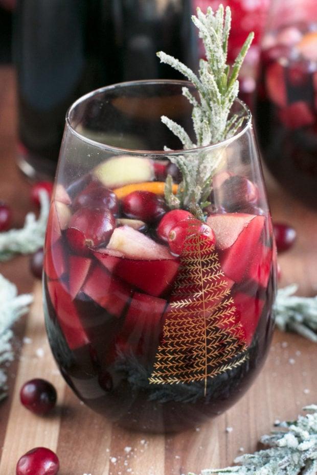 Red Christmas Single Serve Sangria | cakenknife.com #christmas #christmassangria #holidaysangria #redsangria #sangria #wine #21andup