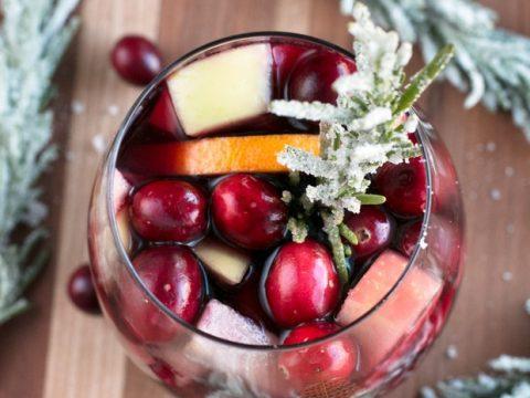 Christmas Sangria.Red Christmas Single Serve Sangria