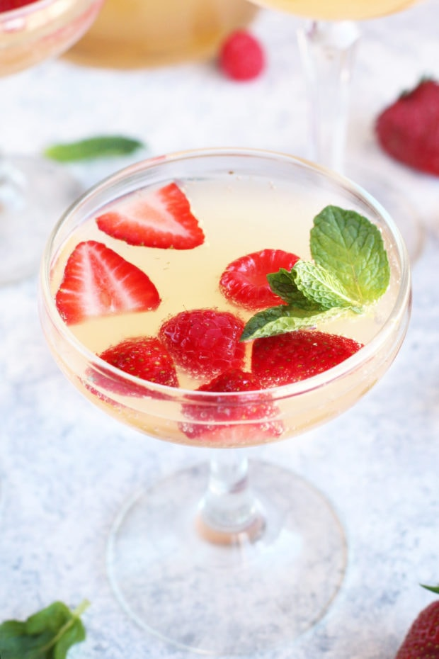 how to make champagne sangria recipe