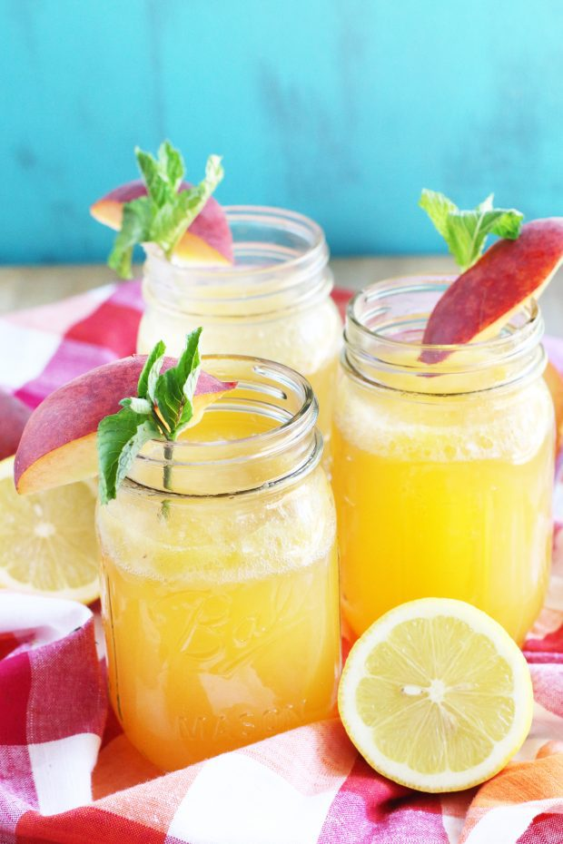 Sparkling Peach Vodka Lemonade