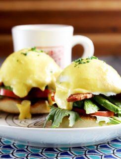 BLAT Eggs Benedict
