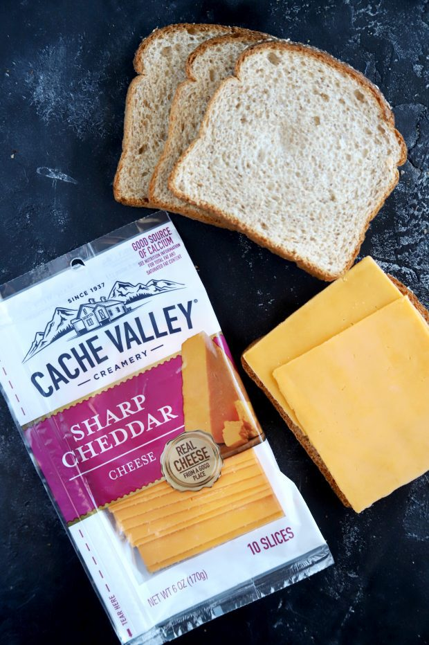 Cache Valley Sharp Cheddar cheese slices