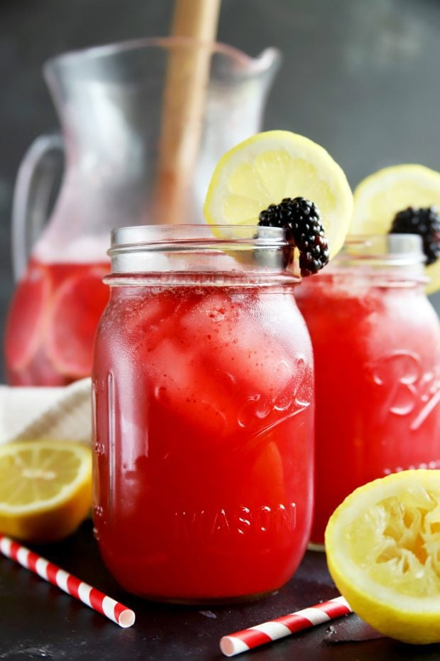 Sparkling blackberry vodka lemonade