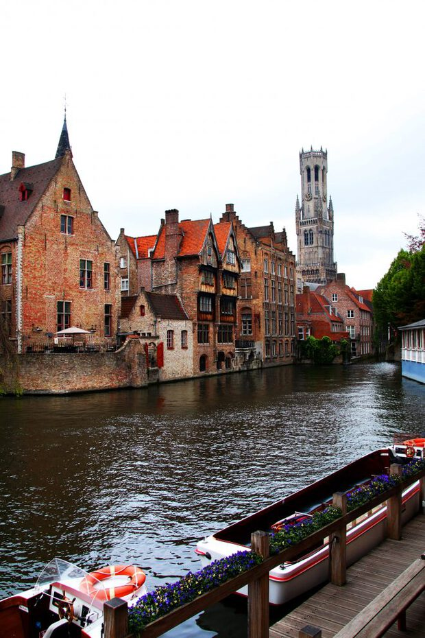Photo of the Bruges canals dealing with grief