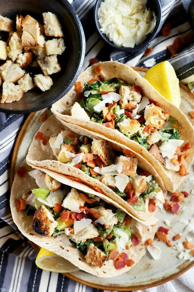 Chicken tacos with salad and croutons
