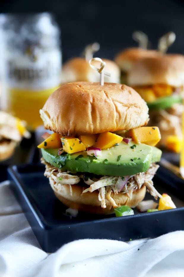 Toasted slider buns with chicken and salsa