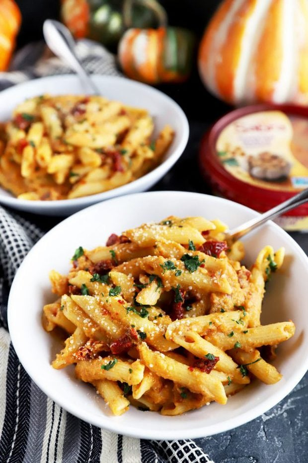 Easy fall pasta dish for Friendsgiving