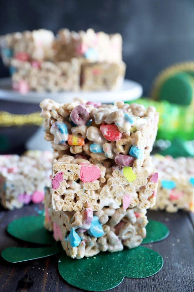 Lucky charms cereal treats image