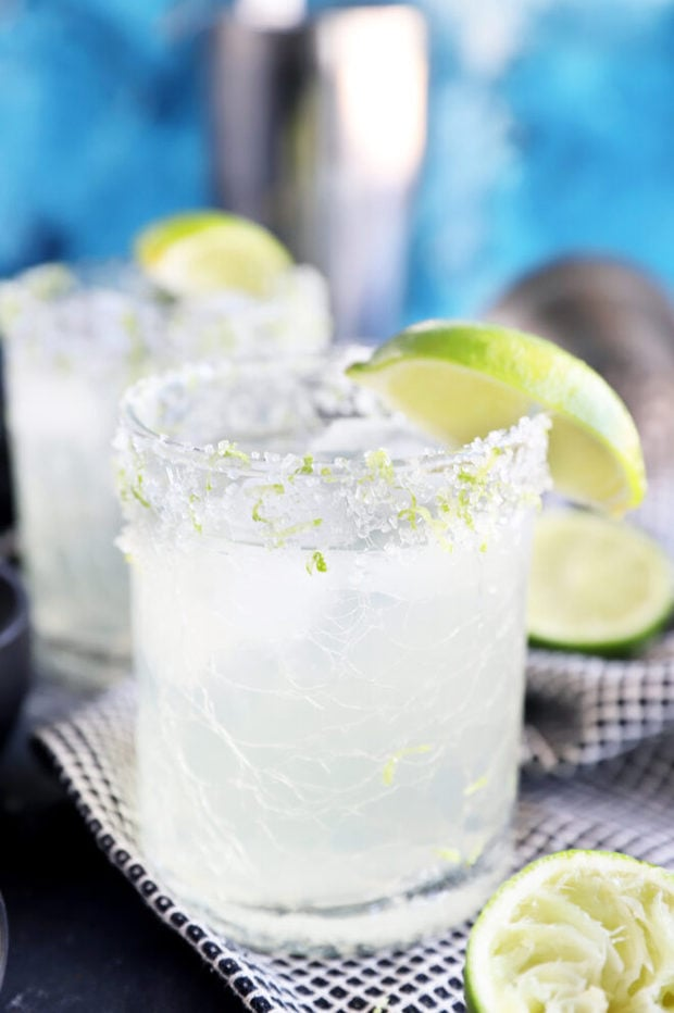 Limeade margaritas in glasses image