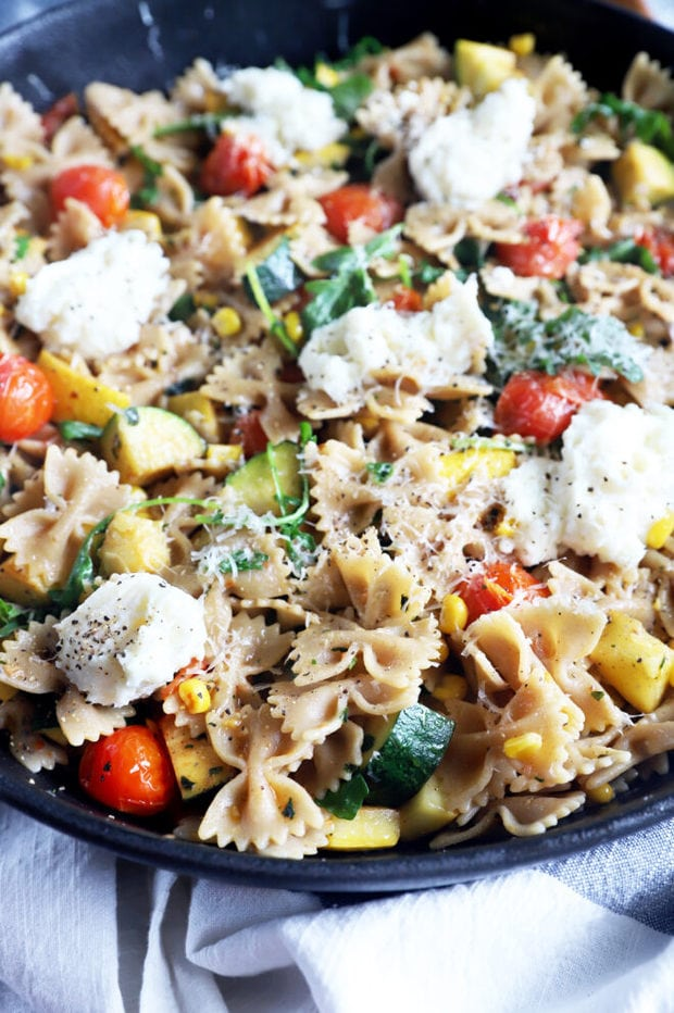 Vegetarian pasta in a large bowl picture