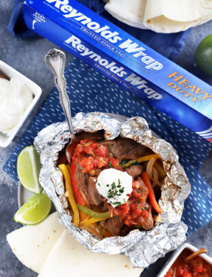 Steak fajita foil packets recipe image