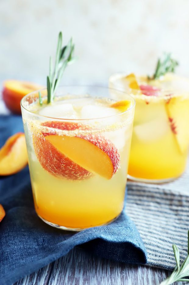 Summer mocktail recipe in glasses