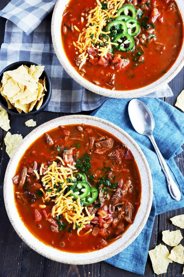 Instant Pot carne asada chili in bowls picture
