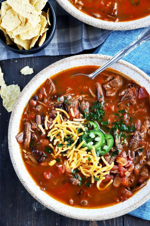Overhead photo of carne asada chili
